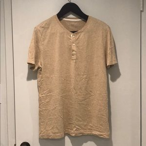 Banana Republic soft wash t-shirt beige